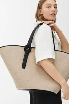Explore new arrivals from ARKET women's collection, including carefully made wardrobe essentials and key pieces for this season. Intelligent Agent, Summer Feeling, Large Canvas, Everyday Items, Cotton Canvas, Leather Backpack, Bag Accessories, Tote Bag, Beige Bags