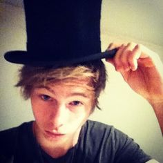 """THAT HAT THOUGH.> """"I'm not a hat person"""""""