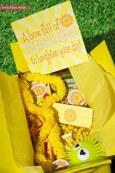 Graduation Gifts Discover Sunshine Box Printables Sunshine Gift Box Cheer Up Care package Sympathy Gift Bad Day Gift Get Well Package Box of Sunshine DIY Gift Homemade Gifts, Diy Gifts, Diy Birthday, Birthday Gifts, Box Of Sunshine, Printable Cards, Printables, Printable Labels, Sympathy Gifts