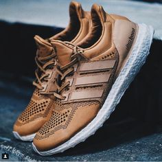 The adidas Ultra Boost Hender Scheme Custom by Jack the Ripper features premium Brown Tan leather. New Shoes, Men's Shoes, Shoe Boots, Shoes Sneakers, Sneaker Trend, Style Masculin, Adidas Boost, Adidas Ultra Boost Men, Sneaker Games