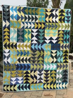"random thoughts...do or ""di"": Fly...a Stitch Tease Bee Quilt"