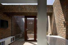Casa Brick a Back / Architecture Republic