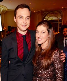 Are sheldon and amy dating in real life