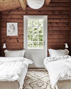 Remodeling Mobile Homes, Home Remodeling, A Frame House Plans, Wooden Cottage, Tiny House Cabin, Cottage Homes, Cozy Cottage, Living Room Interior, Interior Livingroom