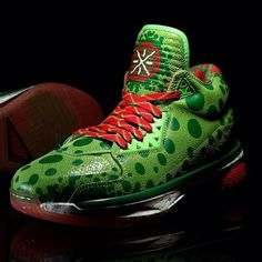 f5657ddeb2d834 li ning way of wade 2 christmas 03 570x570 Li Ning Way of Wade 2 Christmas