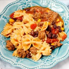 Want to try a delicious fusion of Mexican and Italian dishes? Then you have to make this taco pasta! It's made in the Instant Pot!