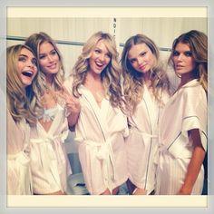 カーラ・デルヴィーニュ&ドウツェン・クロース&キャンディス・スワンポール&マグダレナ・フラッコウィアック&マリナ・リンチュク|Victoria's Secret Fashion Show 2013|エル・ガール・オンライン