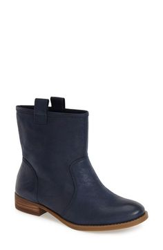 Free shipping and returns on Sole Society 'Natasha' Boot (Women) at Nordstrom.com. Supple suede or leather and a slouchy silhouette add laid-back Western charm to a round-toe boot set on a short, stacked heel.