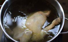 Luộc các loại thịt, cứ canh nhiêu đây thời gian rồi tắt bếp thì chẳng sợ thịt sống hay quá khô nữa Vietnamese Cuisine, Ice Cream, Chicken, Meat, Cooking, Desserts, Food, Outlet, No Churn Ice Cream
