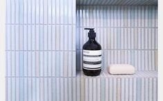 artedomus yohen border tiles Simple Bathroom Designs, Bathroom Design Small, Bathroom Layout, Bathroom Ideas, Bathroom Renos, Bathroom Renovations, Mid Century Bathroom, Border Tiles, Splashback