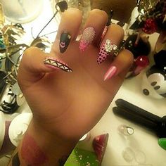 Nini smalls nails