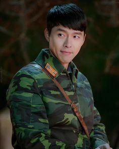 Crash Landing On You-Hyun Bin-Korean Drama-Subtitle Hyun Bin, Jung Hyun, Kim Jung, Jung Yong Hwa, Korean Star, Korean Men, Asian Actors, Korean Actors, Drama Stage