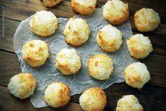Kokosanki z białek - ciastka kokosowe Baking, Breakfast, Impreza, Food, Cakes, Sugar, Chef Recipes, Cooking, Easter Activities