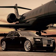 Rolls Royce Ghost and jet. Jets Privés De Luxe, Luxury Jets, Luxury Private Jets, Private Plane, Voiture Rolls Royce, Bentley Auto, Jet Privé, Automobile, R35 Gtr