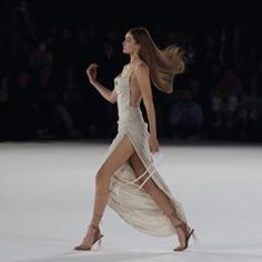 gigi hadid at jacquemus Haute Couture Style, Gigi Hadid Outfits, Beautiful Girl Image, Summer Dress Outfits, Winter Outfits, Casual Outfits, Celebs, Celebrities, Winter Collection