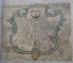 Cadran solaire de l Eglise des Cordeliers, à Briancon.            P1040473