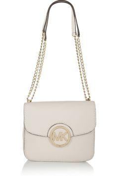 mk style Cheap Michael Kors Bags Outlet Online, You can get it at our site. Michael Kors Bags Outlet, Handbags Michael Kors, Mk Handbags, Women Accessories, Fashion Accessories, New Fashion, Fashion Trends, Fashion Styles, Street Fashion