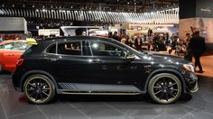 A photo gallery of the 2018 Mercedes-AMG GLA45 at the 2017 North American International Auto Show (14 photos)