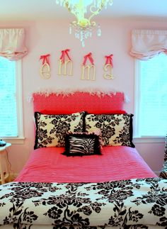 pink + black + white  - girls bedroom colors @Dina N , found this and saw the Emma sign and the cute bedroom<3