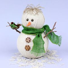 This burlap ribbon snowman could be made in many sizes to create a whole snow family! #beverlys  #Styrofoam #kidscrafts