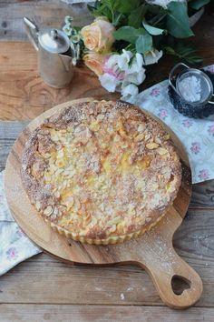 Bratapfelkuchen mit Ahornsirup Zimtsauce - Baked Apple Almond Tarte with maple syrup cinnamon sauce #herbst #fall #cake #applecake (4)