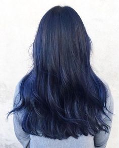 Deep blue balayage by @amandatua_! Started with a freehand balayage technique…