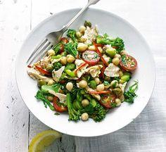 Tuna, broccoli & chickpea salad Warm Salad Recipes, Chickpea Recipes, Spicy Recipes, Fish Recipes, Cooking Recipes, Healthy Recipes, Chickpea Salad, Healthy Snacks, Healthy Eating