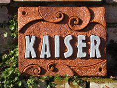Door sign ceramic Source by annikasantangel Hand Built Pottery, Ceramic Clay, Door Signs, Diy And Crafts, Doors, Popular Bags, Ballerinas, Aesthetics, Decorations