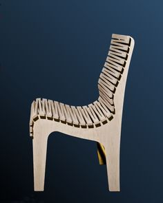 This Zig Zag Chair, made from just three pieces of high grade maple plywood, is by Oregon-based furniture designer Randy Weersing. Timber Furniture, Plywood Furniture, Cool Furniture, Furniture Design, Living Hinge, Plywood Design, Plywood Chair, Laser Cutter Projects, Easy Woodworking Projects