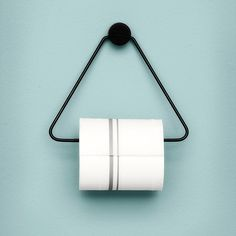 Toilettenpapierhalter Metalldreieck schwarz von Ferm Living