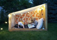 What a great idea :) Spend a night under the stars - outdoor book nook by Mer Mag with Pottery Barn Kids (wallpaper by Makelike) Cubby Houses, Play Houses, Pottery Barn Kids, Outdoor Projects, Diy Projects, Outdoor Fun, Outdoor Decor, Kids Wallpaper, Book Nooks