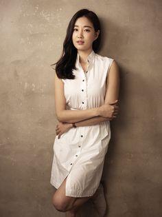 Sa-rang Kim on IMDb: Movies, TV, Celebs, and more... - Photo Gallery - IMDb Korean Beauty Standards, Straight Eyebrows, Korean Summer, Under Eye Bags, Large Eyes, Flawless Skin, Korean Model, Asian Beauty, My Girl