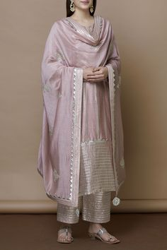 Simar-dugal Onion pink straight with all-over gota patti wor. Pakistani Fashion Casual, Pakistani Dresses Casual, Pakistani Dress Design, Indian Fashion, Indian Attire, Indian Wear, Indian Outfits, Ethnic Outfits, Indian Dresses