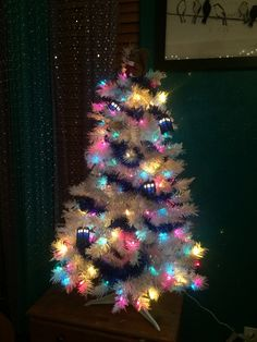 I am getting myself a white xmas tree today so I can do this.