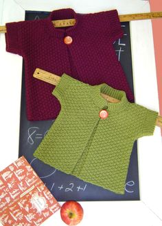 This is an easy knitting pattern for a little girl's topper in double moss stitch that creates a wonderful stable fabric with no need for finishing the lower and front opening edges. The slight shaping from the lower edge to cap sleeves lends some style. Kids Knitting Patterns, Knitting For Kids, Knitting Projects, Baby Knitting, Crochet Baby, Crochet Projects, Knit Crochet, Baby Cardigan, Baby Pullover
