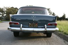 Beautiful rear face with very eficient taillights. The chrome was thick and heavy., especially at the edge of the wings.