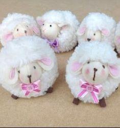 Cute little sheep toy (free sewing pattern & tutorial) // Aranyos húsvéti bárány plüss (ingyenes szabásminta) // Mindy - craft tutorial collection // #crafts #DIY #craftTutorial #tutorial