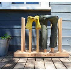 Personalised wooden welly rack | hardtofind.