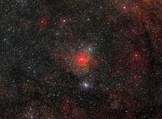 Imagem mostra o campo em torno da estrela hipergigante amarela HR 5171 (Foto: Divulgação/ESO)