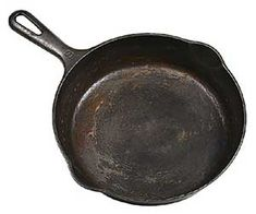 How to Remove Rust from a Cast Iron Skillet.good to know for my vintage cast iron skillets that I love. Diy Cleaning Products, Cleaning Solutions, Cleaning Hacks, Iron Cleaning, Organizing Tips, Organization, Cast Iron Skillet, Cast Iron Cooking, Lodge Skillet