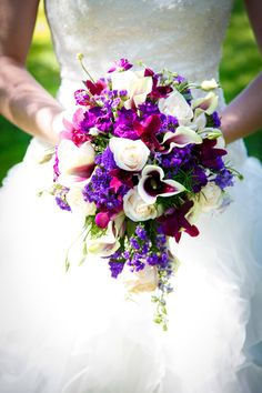 Purple wedding flowers Keywords: #weddings #jevelweddingplanning Follow Us: www.jevelweddingplanning.com  www.facebook.com/jevelweddingplanning/