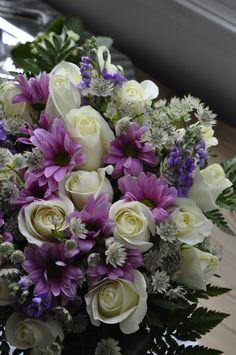 Purple & White Flower Arrangement, really love this color scheme right now