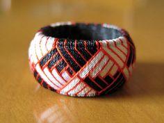Yubinuki thimble ring in a stepped pattern
