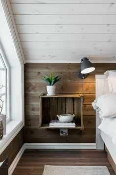 Urban Outfitters Zimmer, Urban Outfitters Room, Farmhouse Interior, Modern Interior, Home Interior Design, Timber House, Cabin Interiors, Home Decor Pictures, Home Bedroom