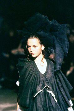 Comme des Garçons Spring 1998 Ready-to-Wear Collection Photos - Vogue