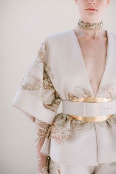 Find tips and tricks, amazing ideas for Elie saab. Discover and try out new things about Elie saab site Elie Saab Haute Couture, Valentino Couture, Couture Fashion, Runway Fashion, High Fashion, Gothic Fashion, Fashion Details, Fashion Tips, Fashion Design