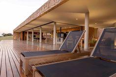 Galeria de Casa das Pedras / mf+arquitetos - 17