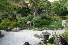 Magnifique jardin dans le Jura (Cressia) - France