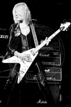 Now here's combination: a Gibson Flying V in the hands of Michael Schenker - one of the greatest players you've never heard of, unless you're into the metal. Consistently overlooked by the list-compilers at Rolling Stone, along with so many others: http://www.devilsdetail.blogspot.com/2011/12/glaring-omissions-in-rolling-stones.html