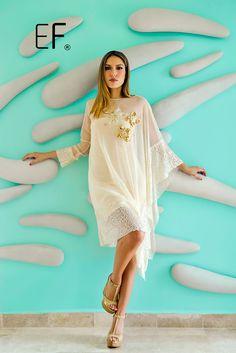 Vestido corto de manga larga en tono perla con  lentejuelas. #moda #fashion #cancunmoda #mexicoestademoda #trendy #disenadorademodas